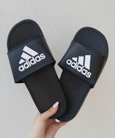 Stigle i Adidas crne papuceBrojevi od 41 do 46Kalupi su za br manji