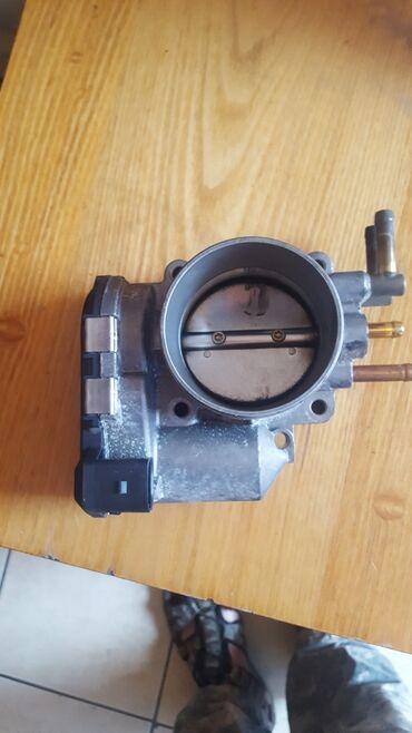 audi a6 25 mt в Кыргызстан: Дроссельная заслонка на Audi A6 2003 год электронная двигатель 2.4