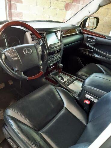 Lexus LX 5.7 л. 2011