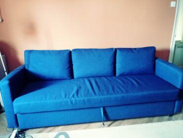 Krevet/sofa na razvlačenje (Ikea): kupljen pre tri meseca, u odličnom