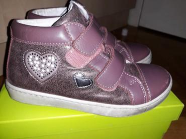 Pinko-prsluk-sa-etiketom-broju - Srbija: Ciciban cipele u broju 30
