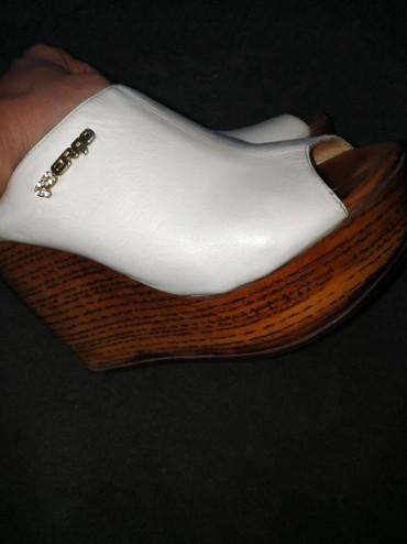 Сабо в Бишкек: Продам отличную обувь. высокая платформа очень подойдёт девушкам