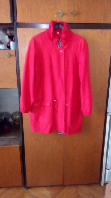 Crvena jakna prolece-jesen jako prijatna lagana