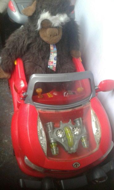 Продаю детский  электромобиль с пультом 10000 т. сом в Бишкек