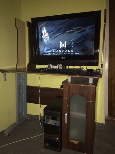 видеокарты gigabyte в Кыргызстан: Продам системный блок вместе с клавиатурой и мышкой . Без монитор. Мат
