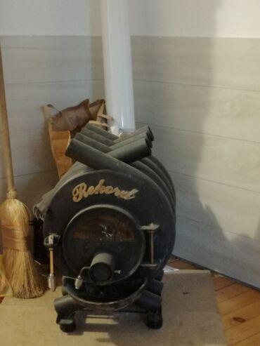 Prodajem Rekord peć na drva. Peć je odlična ali ja prelazim na plin