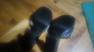 Elegantne crne papuče protkane srebrnim nitima broj 38 - Zrenjanin