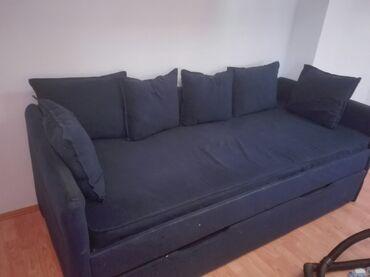Kreveti - Srbija: Prodajem krevet sa fiokom za spavanje i komodom za posteljinu, gornji