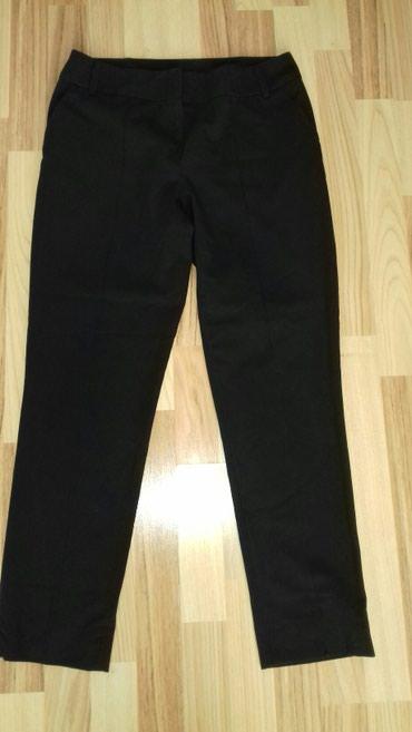 Elegantne crne pantalone u super stanju. Velicina 38-40 - Smederevo