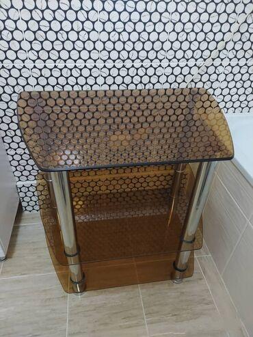 Продаю стеклянный стол, высота 70 см, ширина 80 см, глубина 55 см