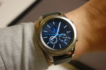 Samsung a 3 - Кыргызстан: Продаю Samsung gear s 3 Class в отличном состоянии
