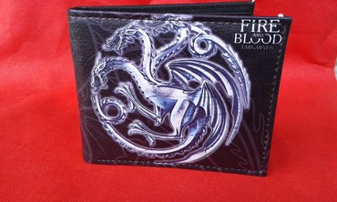 Fenomenalno napravljen novcanik sa motivima kuce Targaryen iz serije