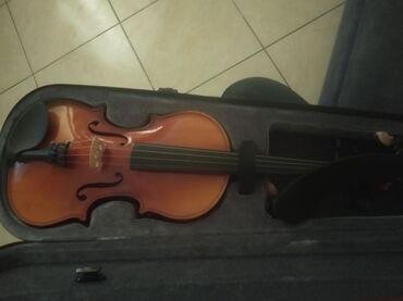 Ολοκαίνουργιο βιολί μόνο πέντε μέρες μεταχειρισμένο