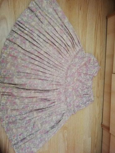 Suknja je na lastis, puniji materijal - Lajkovac