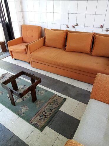 Kauc lezaj i 2 fotelje u dobrom stanju