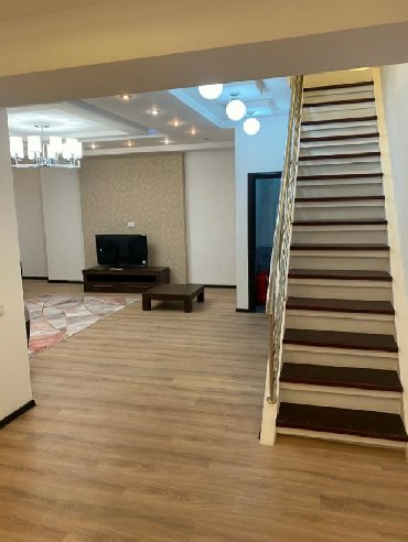4 комнатные квартиры в бишкеке цена в Кыргызстан: 4 комнаты, 170 кв. м Да
