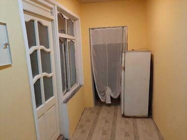 - Azərbaycan: İcarəyə verilir Evlər vasitəçidən Uzunmüddətli: 55 kv. m, 2 otaqlı