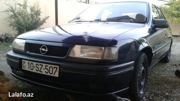 Ağdam şəhərində Opel Vectra 1993