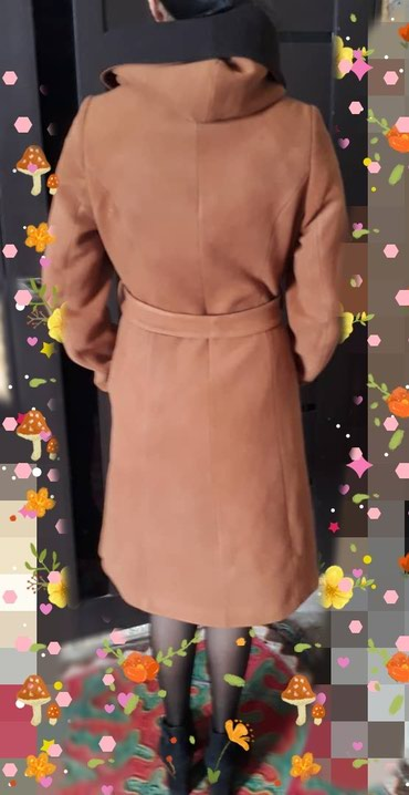 Продаю пальто 44 размера, цена 1500 зимнее в Лебединовка