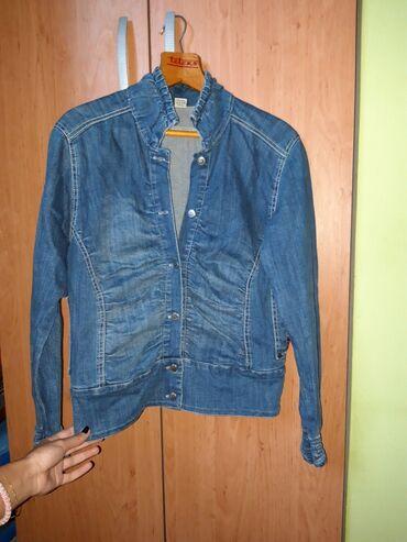 Figura - Srbija: Strukirana teksas jakna, jako lepo stoji i ističe figuru