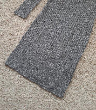 Siva duga haljina sa elastinom uska skroz uz telo. Veličina M, može i