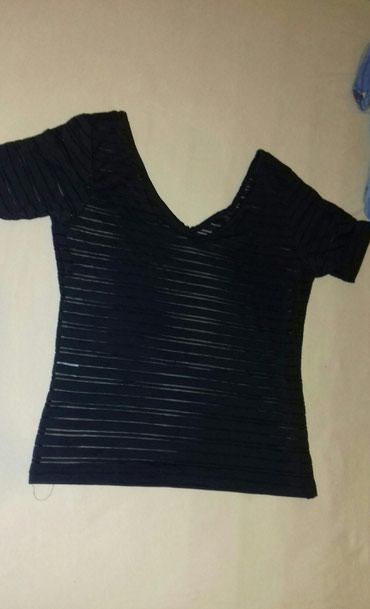Lycra - Srbija: Bluza prelepa, kvalitetna, moderna, velicina L. Materijal