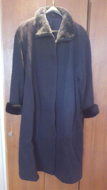 Crni-na - Srbija: Ženski kaput crni, veštačko krzno na rukavima i kragni, broj 42