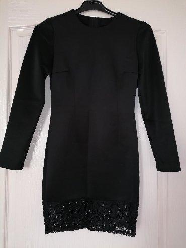 Haljina je šivena po merama ali odgovara veličini S