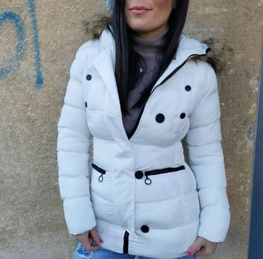 Zimska jakna Velicine S do XlCrna i bela bojaKapuljača se skidaPosebno