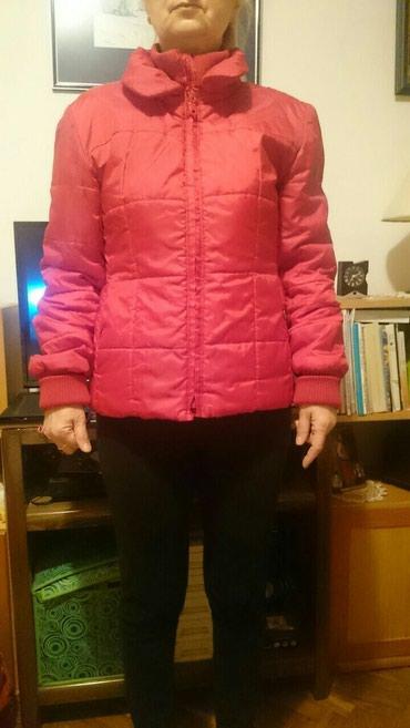 Ženska jakna,veoma očuvana ,lagana i praktična za nošenje. - Ruma