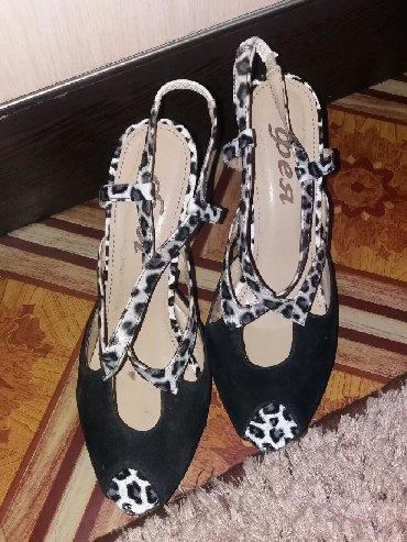 37 размер обувь в Ак-Джол: Срочно продаю женские босоножки замшевые размер 39 состояние хорошее