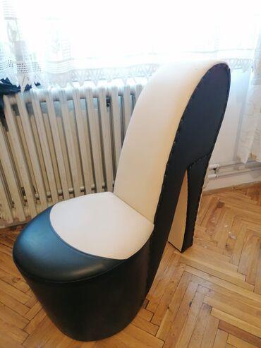 Kuća i bašta - Valjevo: Fotelja stikla u odlicnom stanju moze da posluzi kao osvezenje