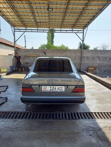 Mercedes-Benz 2000 2 л. 1989