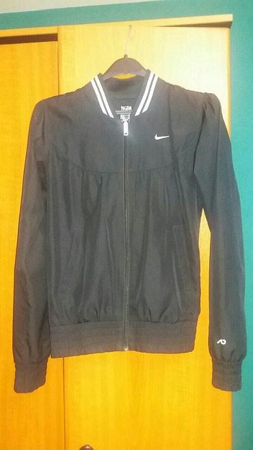 Original zenski Nike gornji deo trenerke.Kao nov,vidi se na - Obrenovac