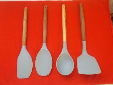 топор лопатка в Кыргызстан: Кухонные принадлежности. Лопатки силиконовые высококачествннные. Ручка