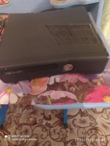 Xbox 360 & Xbox в Кыргызстан: Продаю Xbox 360 есть 12 игры ГТА 5 Фифа 15 Фифа 16 и.т.д