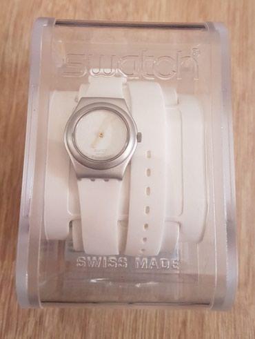 Женские Белые Фэшн Наручные часы Swatch в Бишкек