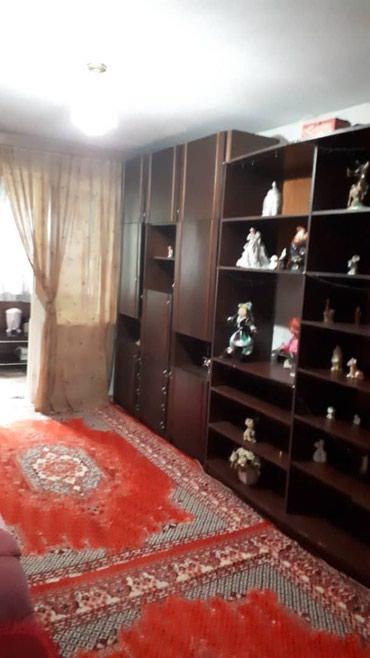 Срочно продам 2-комн кв., 5 мкр. 1/4 этаж, в Бишкек