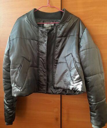Продаю укороченную курточку ASOS  Цвет серебристый металл    Размер 4