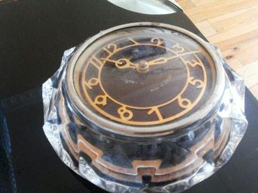 Bakı şəhərində Antik xrustal saat satilir.45. 50 ilin saatidi.iwlek deyil.antik ewya