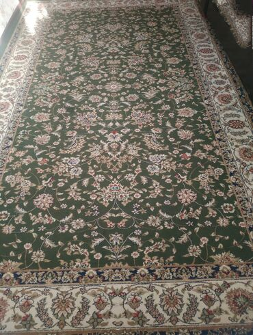 Декор для дома - Лебединовка: Продаётся ковёр в хорошем состоянии