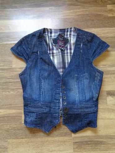 детская джинсовая рубашка в Азербайджан: Джинсовая жилетка на девочку 10-12 лет  Длина от плеча 43 см