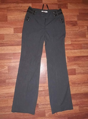 Pamuk-kvalitetne-pantalone - Srbija: Moderne klasicne pantalone, debljeg materijala jako kvalitetne. nema