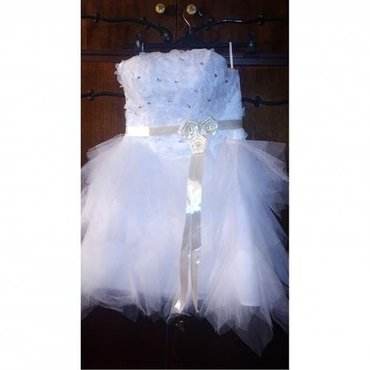 Свадебное платье размер 42-48 регулируется  в Бишкек