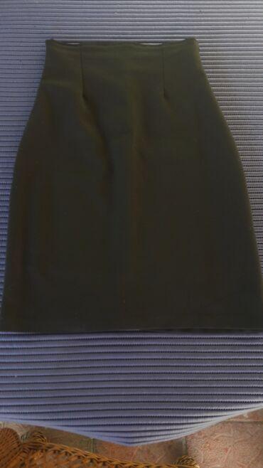 Suknja iznad kolena velicina 36(odgovara s) u odlicnom stanju