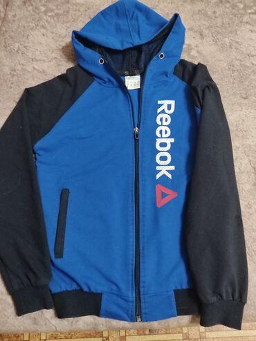 Спортивная куртка на 9-11 лет
