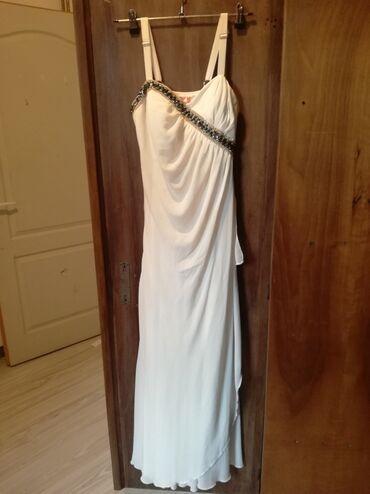 Prelepa svecana haljina. Obucena jednom prilikom. Placena 5500