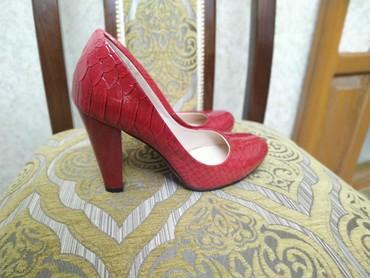 Туфли лакированные красные на удобном каблуке EMMA новые 36 размер