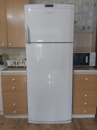 Электроника - Орто-Сай: Б/у Двухкамерный   Белый холодильник Beko