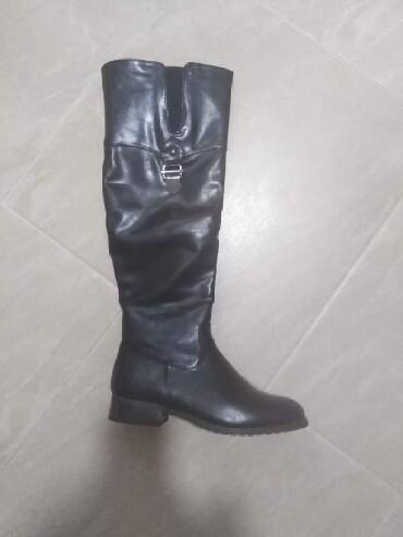 Cizme crne obuvene jednom br. 37